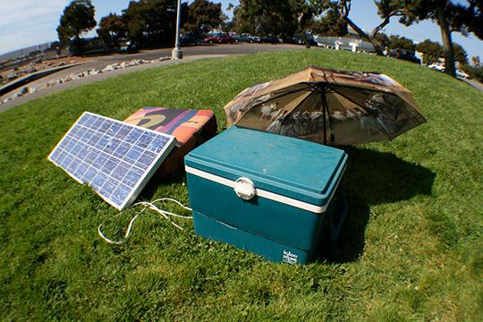 необычный холодильник на солнечной энергии
